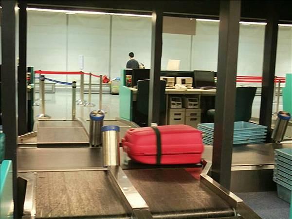 掰掰~~我的桃紅行李箱,維也納見嚕