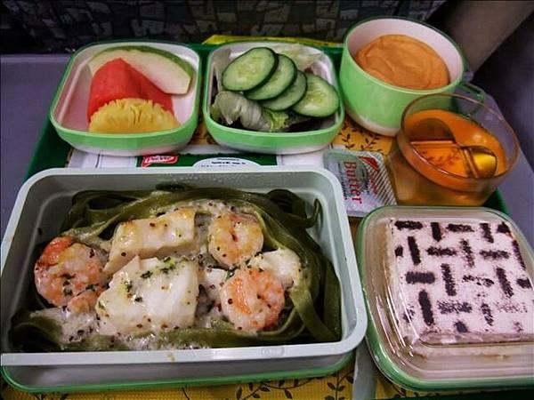 飛機餐之二~因為有魚所以寶貝沒吃