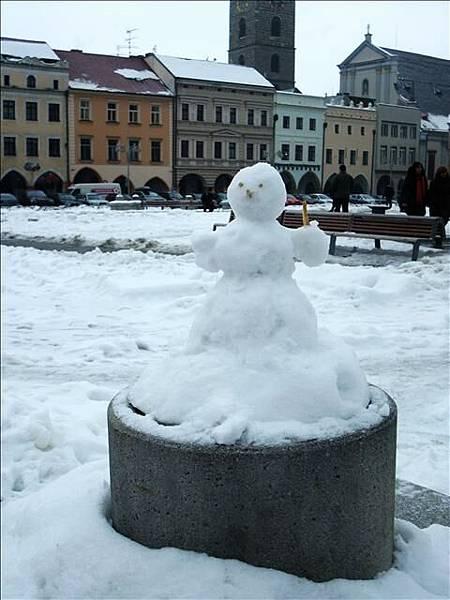 廣場上發現的小雪人