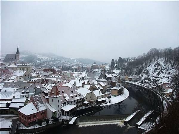 被河流包圍的城鎮