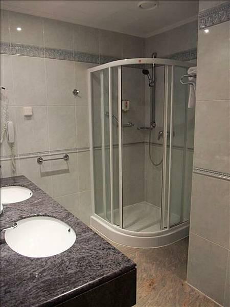 分離式浴室