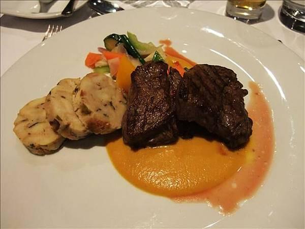 今晚晚餐是到五星級餐廳用餐