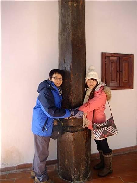 這根柱子據說抱著它時心裡要想著願望