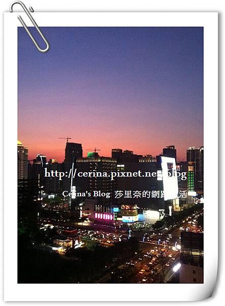從家裡拍出去的大遠百夜景1_BLOG.jpg
