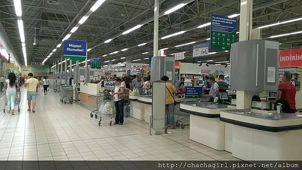 2015 06 17 AKOL HOTEL附近的超市 PIKE (1).jpg