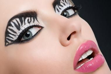 zebra-eye-makeup
