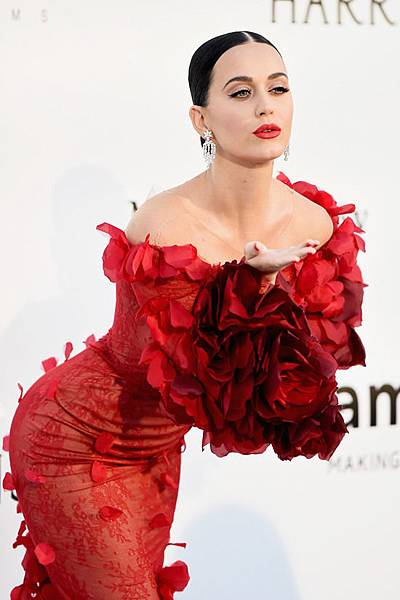 Katy-Perry-amfAR-2016-Cinema-Against-Aids-Gala-Cannes-2016-Red-Carpet-Fashion-Marchesa-Harry-Winston-Tom-Lorenzo-Site-4