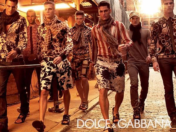 Dolce-Gabbana-DG-Campaigns-From-1990-2012-DerriusPierreCom-29