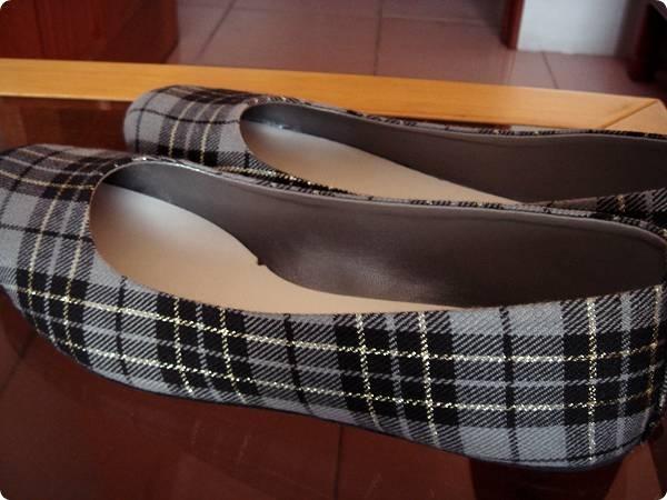 格紋平底鞋