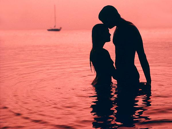 beach-love-couple-silhouette1