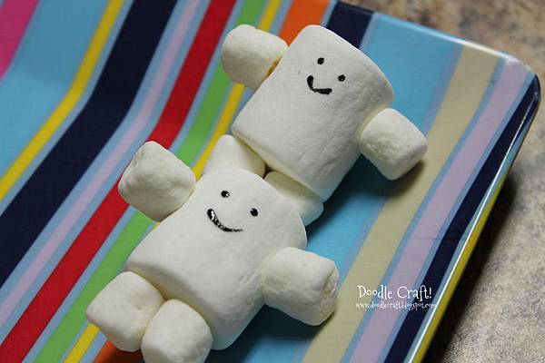 Adipose Fat Baby marshmallow pops doctor who party food birthday treats take home goodie bag dessert table cake pops bake chocolate dipped sprinkled (4)