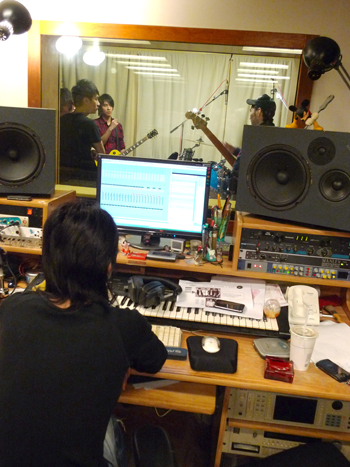 錄音師很酷的背影.jpg
