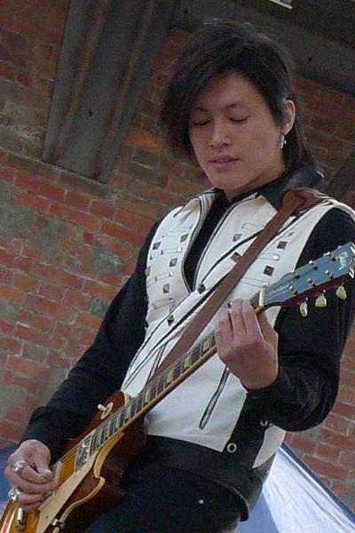 帥氣吉他手小花3.jpg