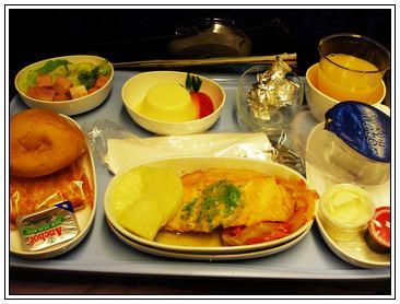 飛機餐二號 - Salmon配馬鈴薯