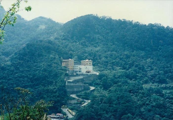 早在民國75(1986)年間,就已矗立於汐止當地的明安寺