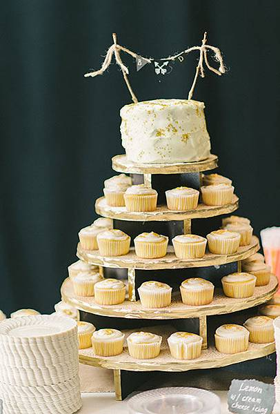 08-Non-Traditional-Cakes-Refresh-Elizabeth-Fogarty-Photography.jpg