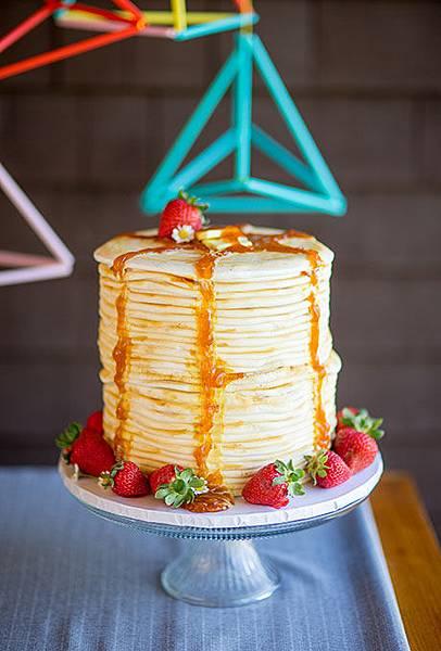 10-Non-Traditional-Cakes-Refresh-Meg-Hamilton (1).jpg