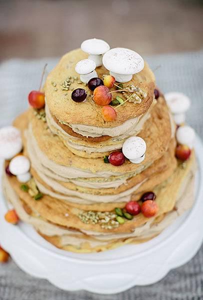 Nontraditional-Cakes-Carmen-and-Ingo.jpg
