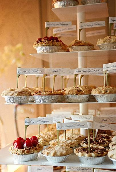 Nontraditional-Cakes-Liz-Banfield.jpg