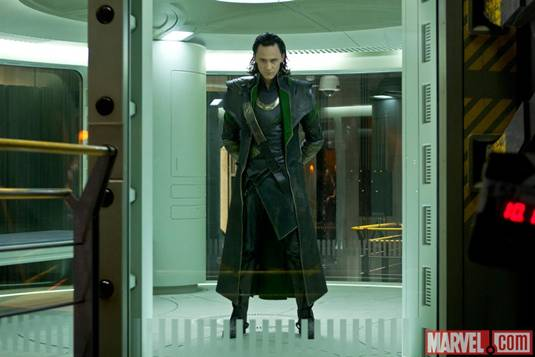 The-Avengers_T.Hiddleston-as-Loki-2