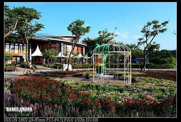 nEO_IMG_130811--Pavilion Dream D600 019-800.jpg