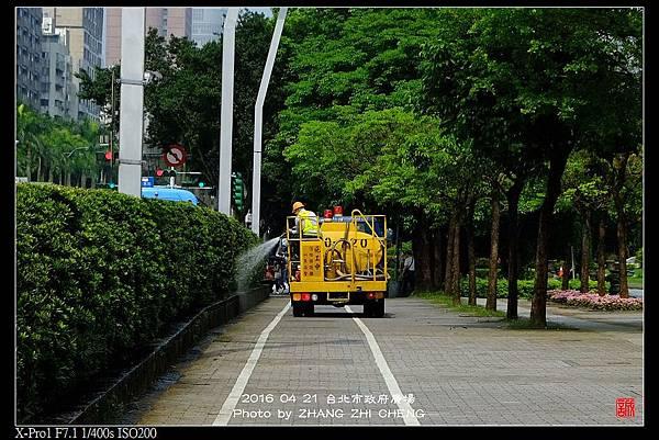 nEO_IMG_160421--Street Snap shots 042-crop-1000.jpg