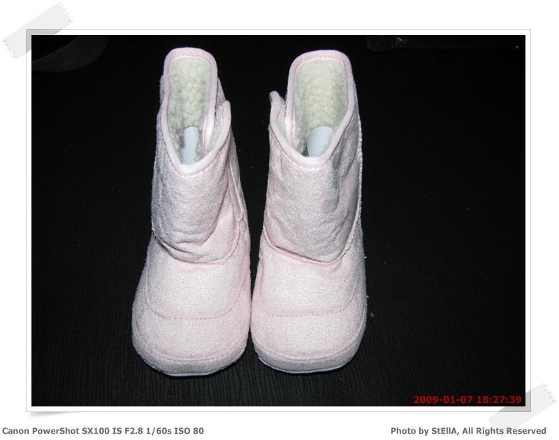 可愛的雪靴到手