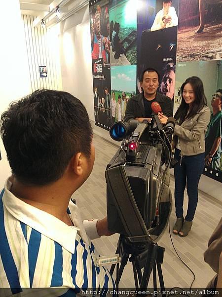 導演和馨儀接受三立新聞採訪1