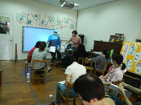 DSCN5074101.10.23-親職溝通-詹翔霖教授-小耶魯安親班