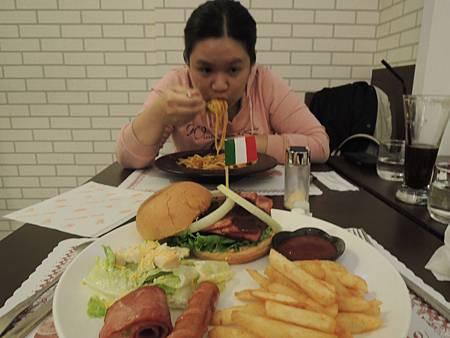 102.12.02-梅朵拉餐廰