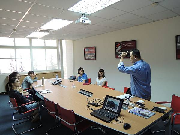 104.08.11-DEMAG企業內訓-顧客關係管理與職場溝通-詹翔霖教授