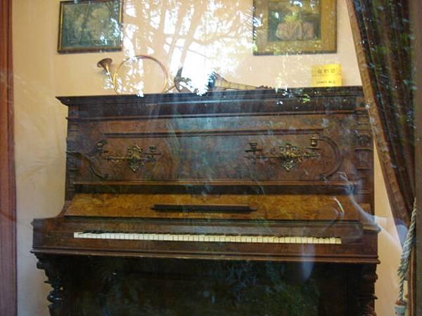 台商捐贈的古鋼琴博物館