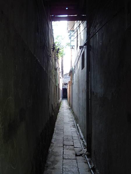 乾燥又清潔的老巷