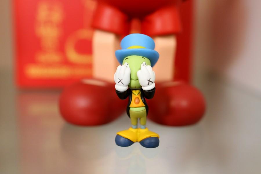 小木偶KAWS Pinocchio & Jiminy Cricket (5).jpg