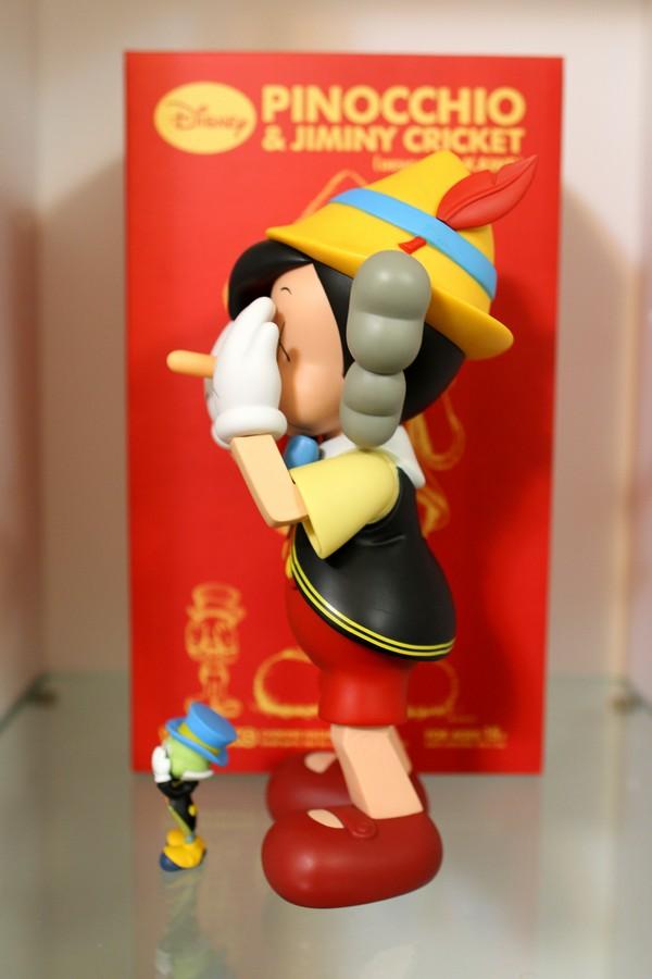 小木偶KAWS Pinocchio & Jiminy Cricket (7).jpg