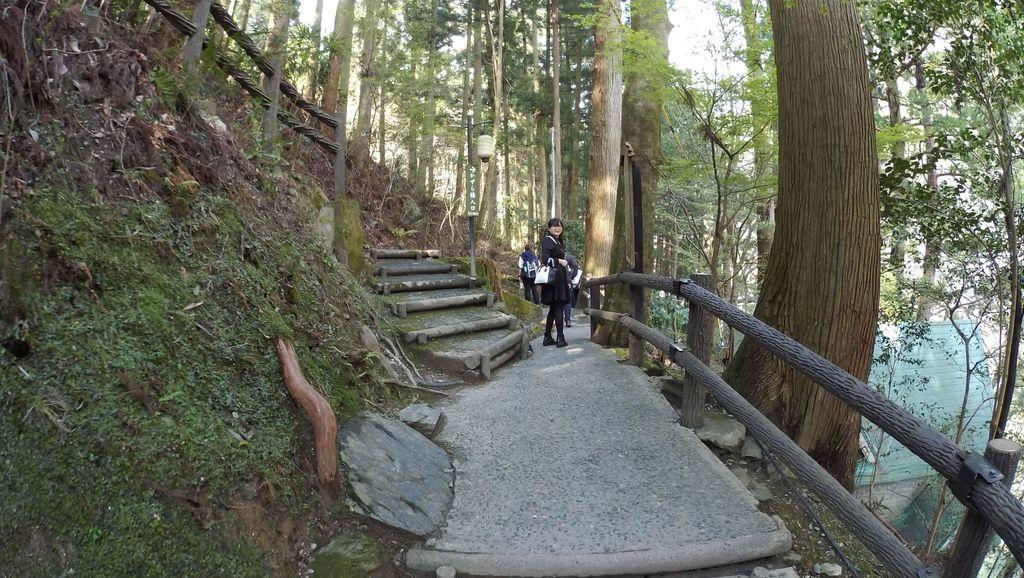祖谷溫泉,籐蔓吊橋,琵琶瀑布還有高知城。_170428_0109.jpg