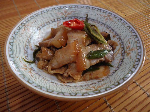 五花肉炒蒜苗-3