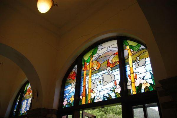 彩繪鑲崁玻璃