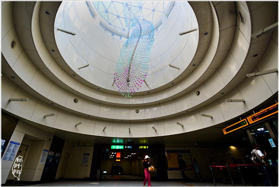 捷運蘆洲站1.jpg