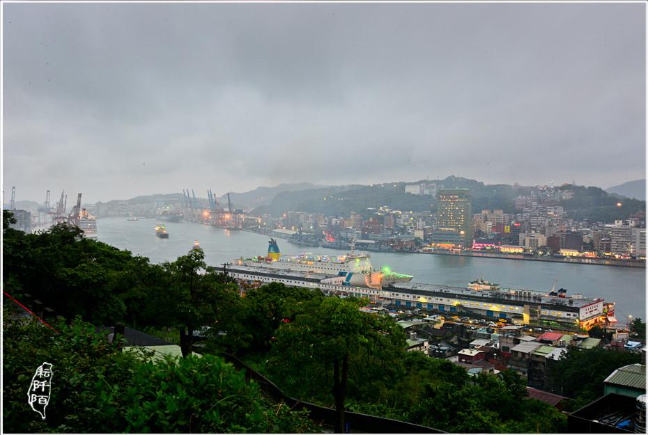 遠眺基隆港2.jpg