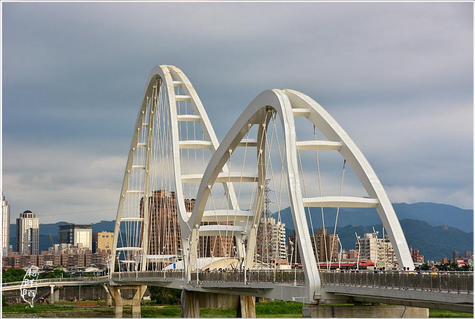 新莊新月橋4.jpg