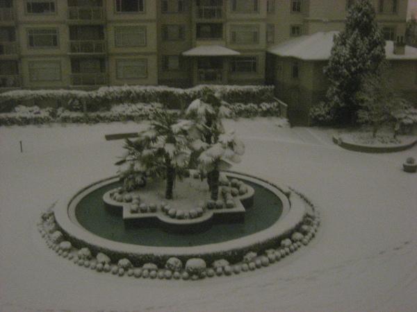 停電下雪夜