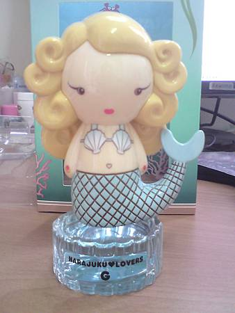 Harajuku Lovers-G of the Sea bottle(front)