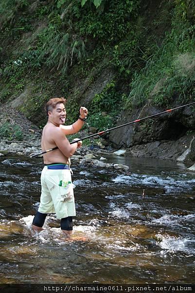 釣到魚了.JPG