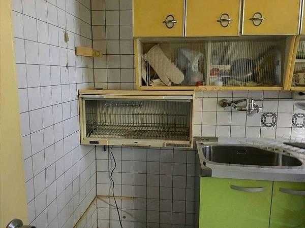 烘碗機移動位子後