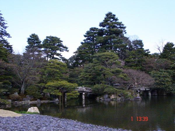 清涼殿前方的御花園 2.