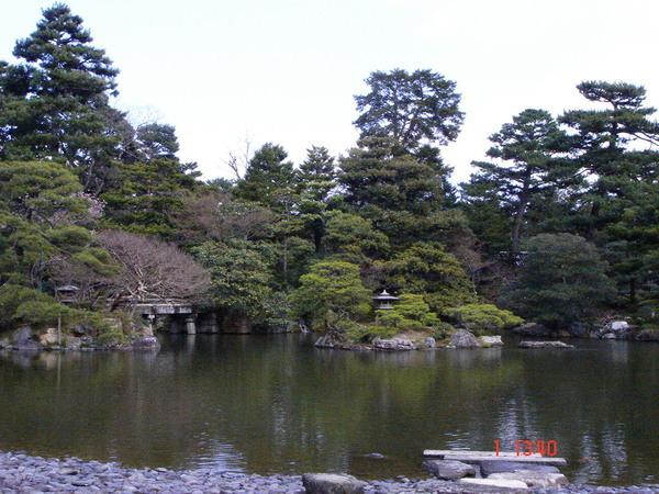 清涼殿前方的御花園 3.