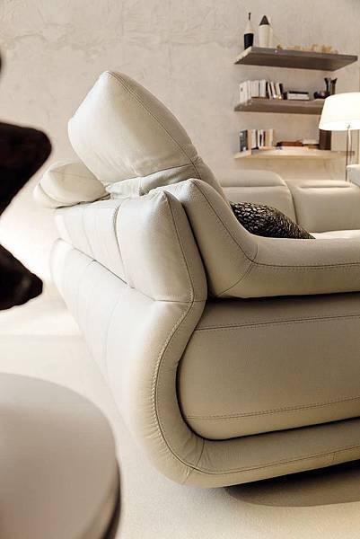 創空間 CreativeCASA  創空間CASA 義式傢具代理 義大利傢具 義式傢具  高品質義式傢俱 義大利品牌 進口家具 進口沙發 沙發 Chateau d'Ax 夏圖 高品質沙發 牛皮沙發 牛皮沙發推薦 熱賣款 熱銷款 INDIANAPOLIS 可調式扶手沙發