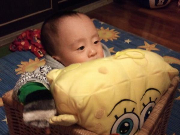 俢俢和他的海綿寶寶.jpg