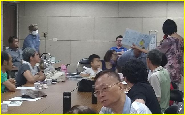 13-張老師與現場民眾熱烈互動中.jpg